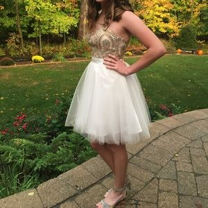 Gorgeous Alyce Homecoming Dress Unaltered Size 2
